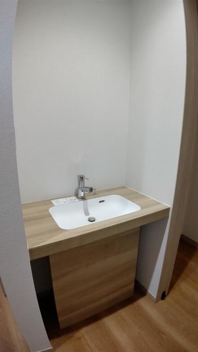 玄関横の手洗い.JPG