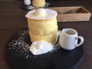 30.6.14cafe②雲のパンケーキ.jpg